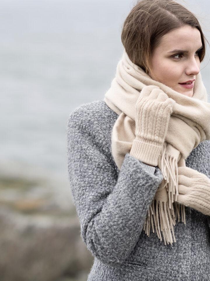 Camel scarf gloves kameli huivi käsineet