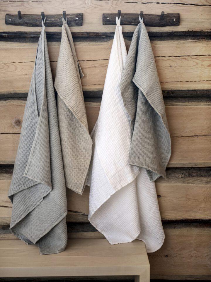 Luoto pellava pyyhkeet