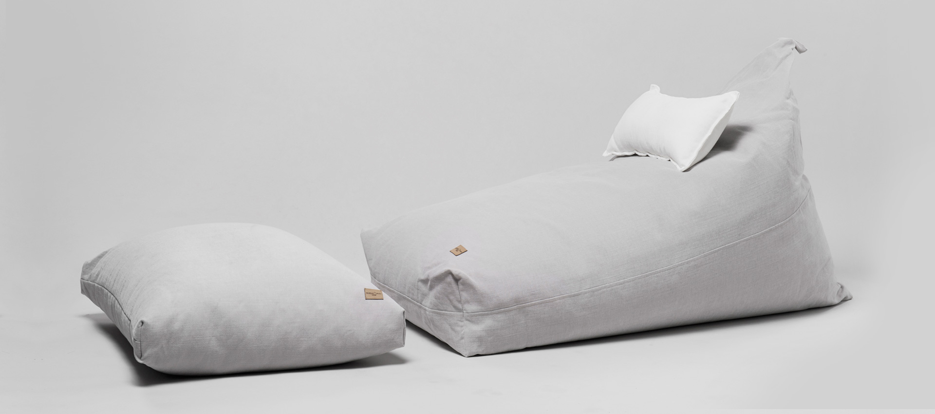 PREMIUM ACCESSORIES AND HOME TEXTILES UPGRADE YOUR EVERYDAY LIFE WITH FINEST SOFT NATURAL MATERIALS.